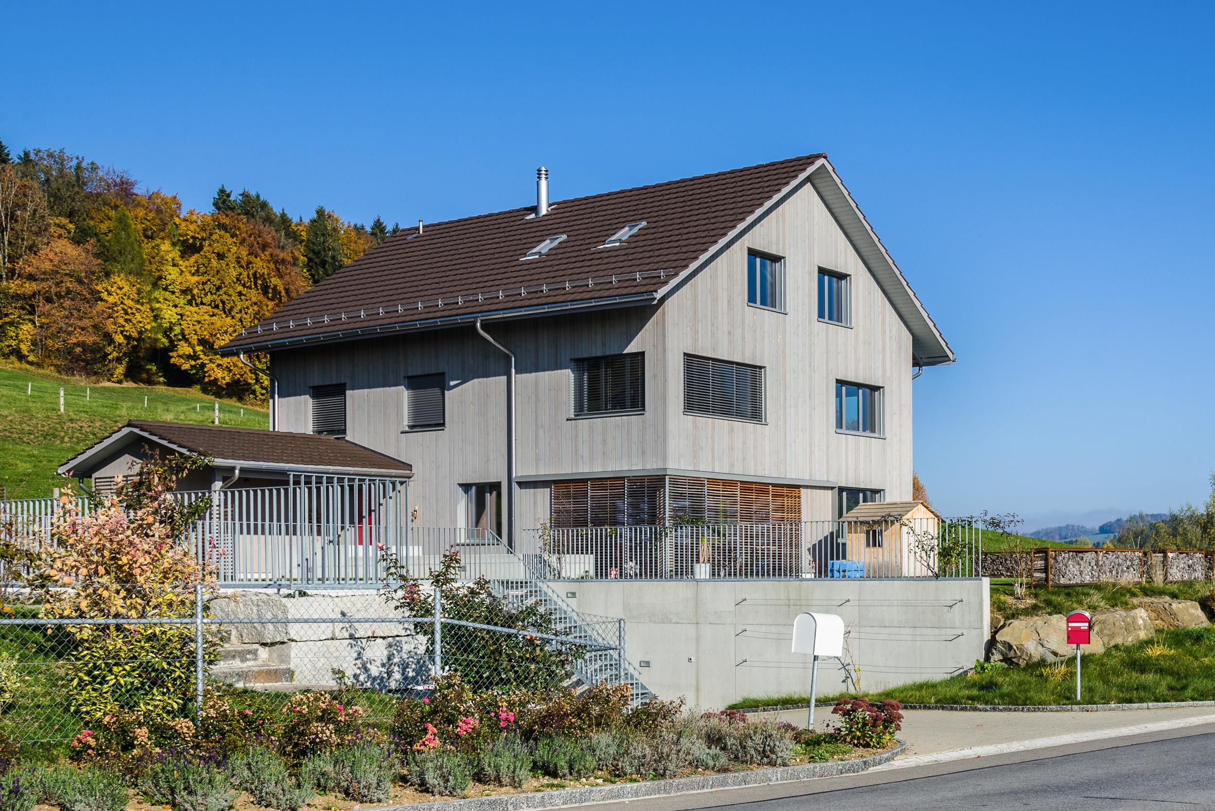 Neubau einfamilienhaus isikon schindler scheibling ag for Neubau einfamilienhaus